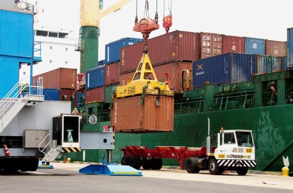 exportaciones-importaciones-descienden-estados-unidos