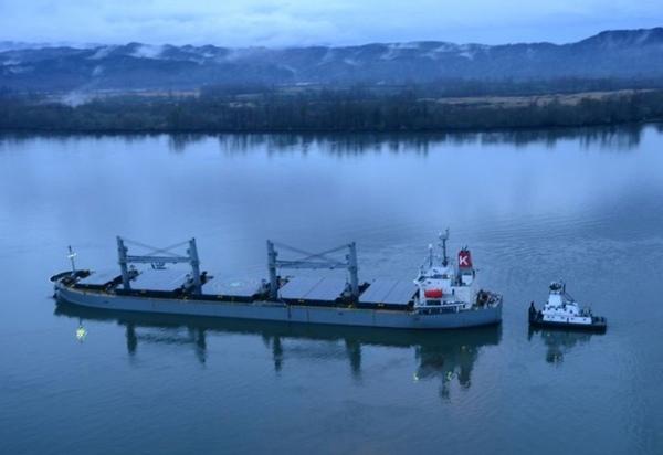 Buque MV Sparna vuelve a navegar