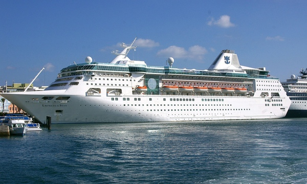 Empress of the Seas vuelve a Royal Caribbean International