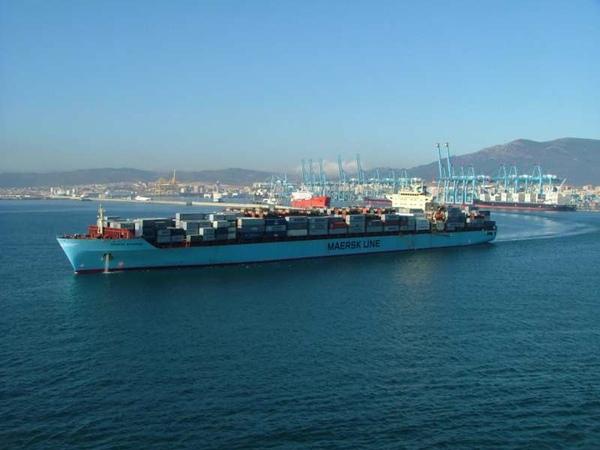Maersk recicla dos de sus buques