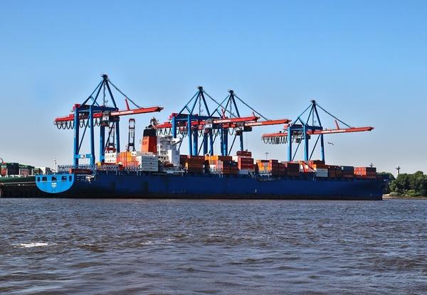 Venezuela incrementa su deuda con las navieras