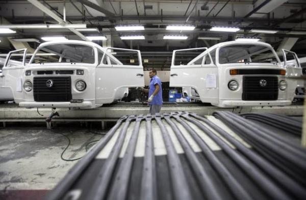 Volkswagen da vacaciones forzadas en Brasil