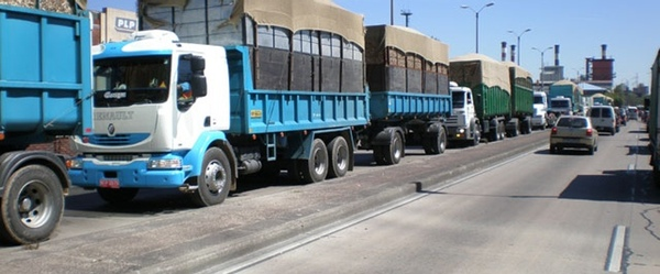Argentina limita la velocidad de camiones