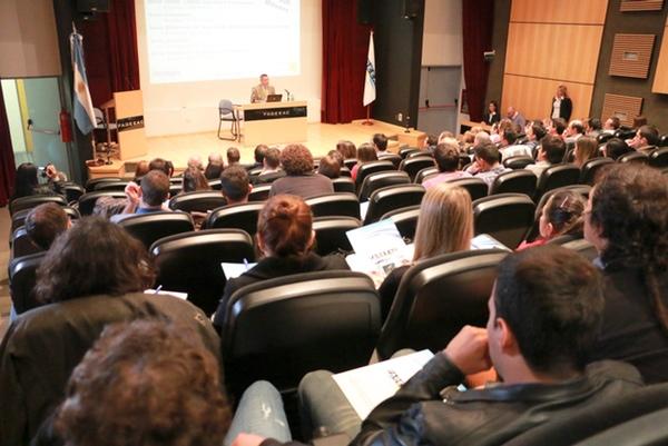 Argentina organiza seminario contra robo en autotransporte
