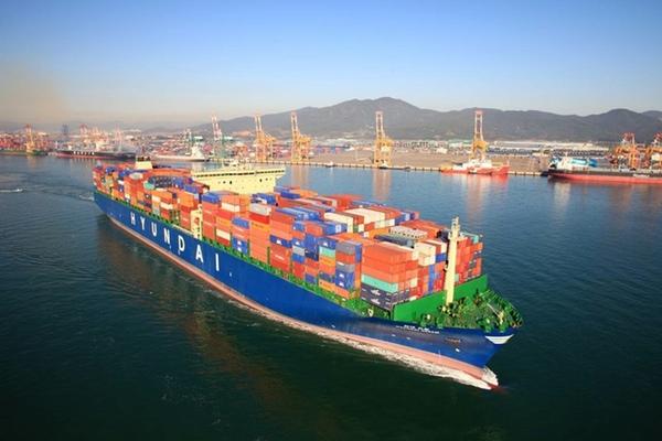 Corea del Sur evalua la fusion de HMM y Hanjin Shipping