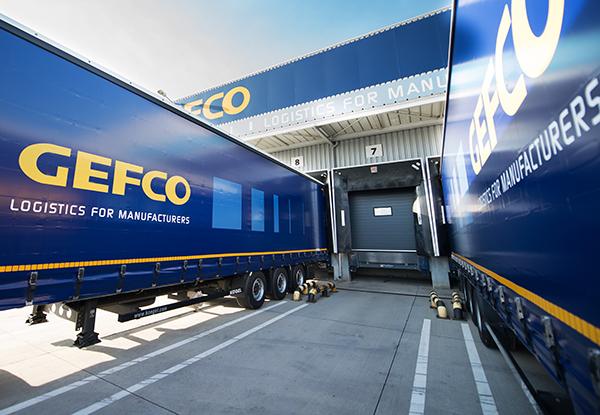 Gefco-camiones-almacen