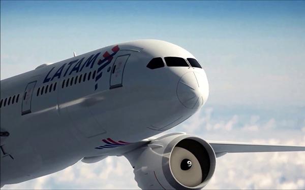 Latam-Airlines-avion
