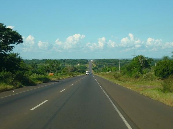 Paraguay mejora su red vial