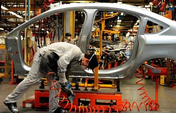 Sector automotriz gana peso en la economia mexicana
