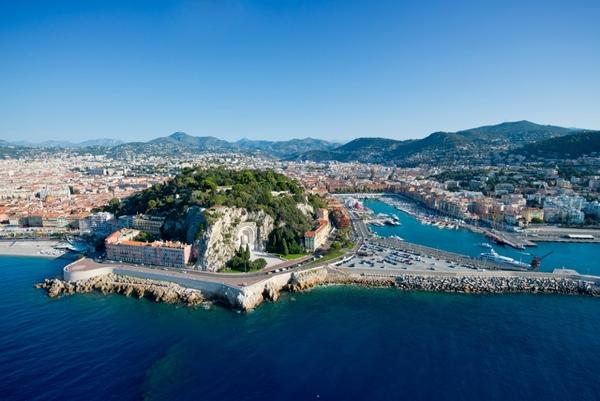 Navieras suspenden visitas a Niza