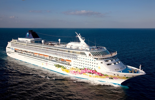 Norwegian Cruise Line prohibe agua embotellada y refrescos