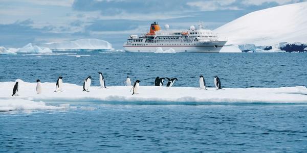 Hapag Lloyd Cruises amplia su flota de buques de expedicion