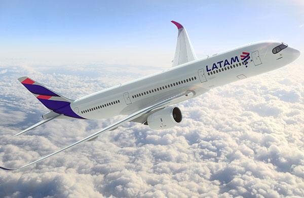 Latam-avion-vista-frontal