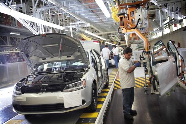 Mexico aumenta la produccion de vehiculos en julio
