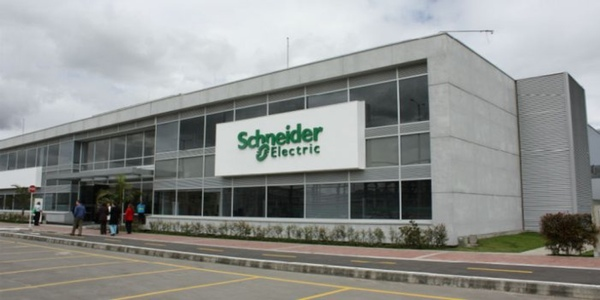Scheneider Electric inaugura planta en Mexico