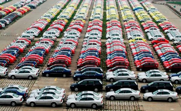 Venta de vehiculos aumenta en julio en Mexico