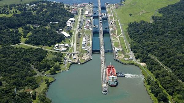 Canal de Panama firma memorando de entendimiento con Puerto de Miami