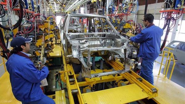 Produccion de automoviles en Argentina desciende en agosto