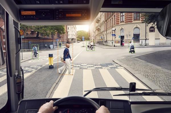 volvo-lanza-autobus-detecta-peatones