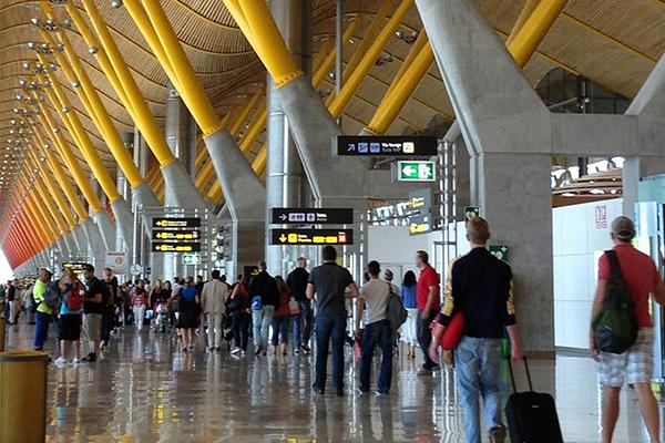Aeropuertos de red Aena registran un incremento de pasajeros del 10.3%