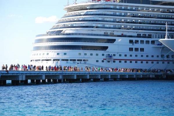 cruceros-son-desviados-a-cozumel-por-huracan-matthew
