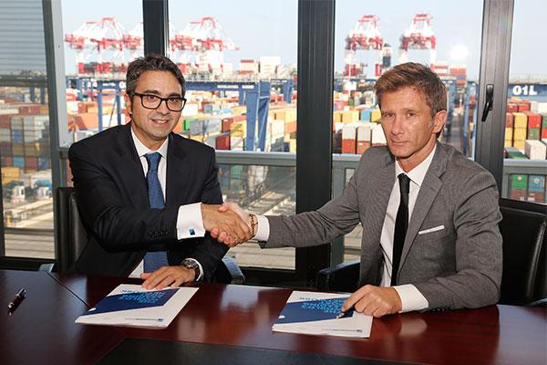 firma-de-acuerdo-best-y-zal-port