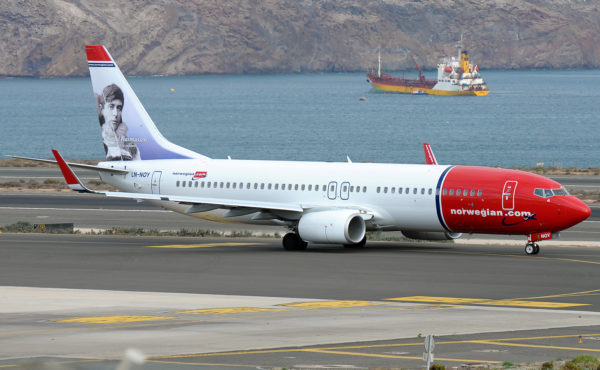 norwegian-air-shuttle-boeing-737-800