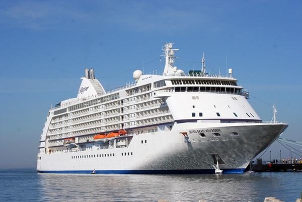 regent-seven-seas-renueva-su-buque-voyager