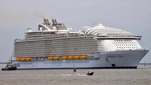royal-caribbean-busca-madrina-para-el-harmony-of-the-seas