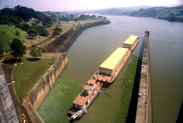 transporte-fluvial-busca-mas-sostenibilidad-en-brasil