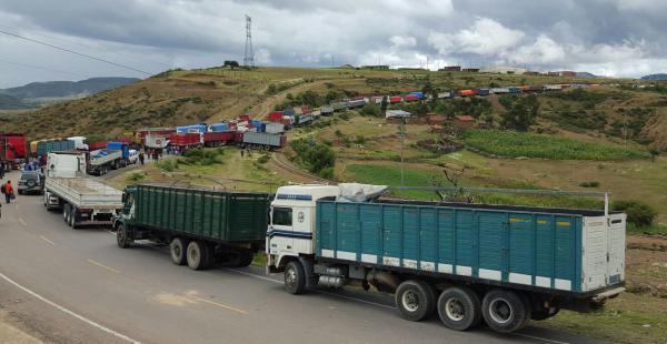 paro-de-funcionarios-en-chile-afecta-al-transporte-boliviano
