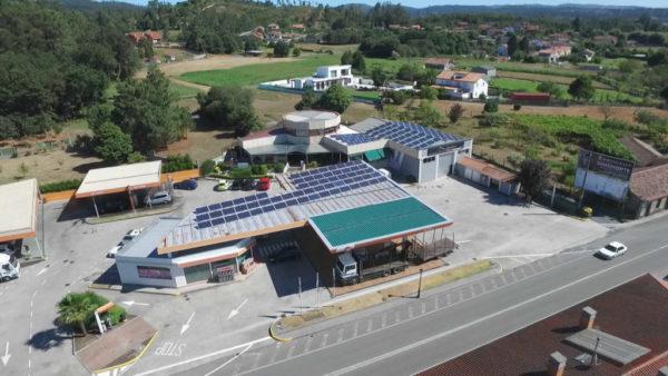 placas-solares-en-gasolinera