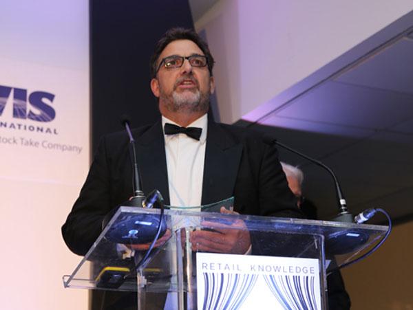 Neville-Payne-recoge-premio-Retail-Fraud-Award
