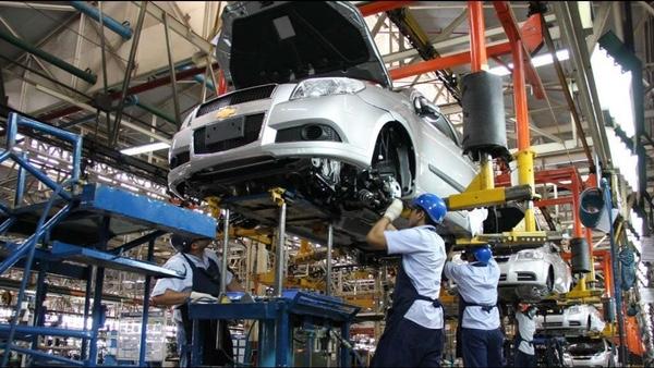 Fabricación de vehículos cae en Argentina en febrero |