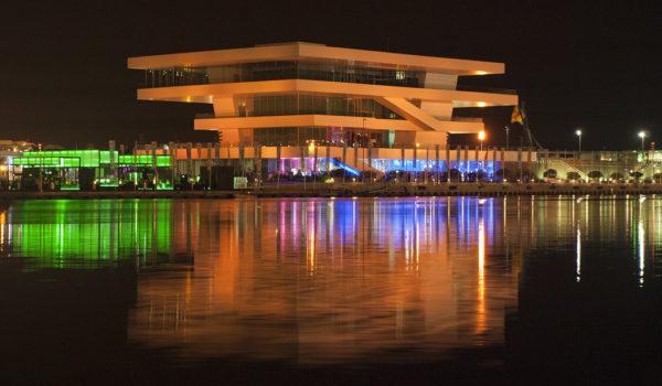 Puerto de Valencia de noche