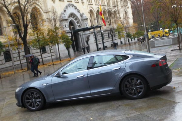 Tesla Uber Madrid