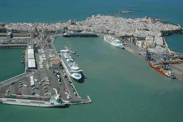 puerto-de-cadiz-invertira-dragar-darsenas