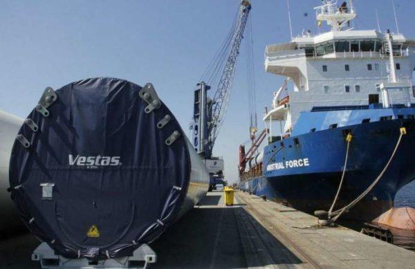 puerto-de-marín-transporta-aerogeneradores-estados-unidos