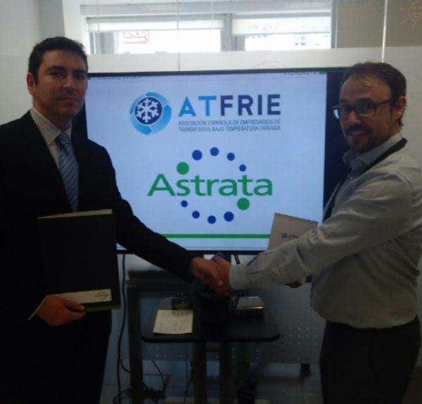 A la izq, Juan Manuel Sierra (Secretario General ATFRIE ). A la dcha, Severino Pascual (Sales Manager ASTRATA IBERIA)