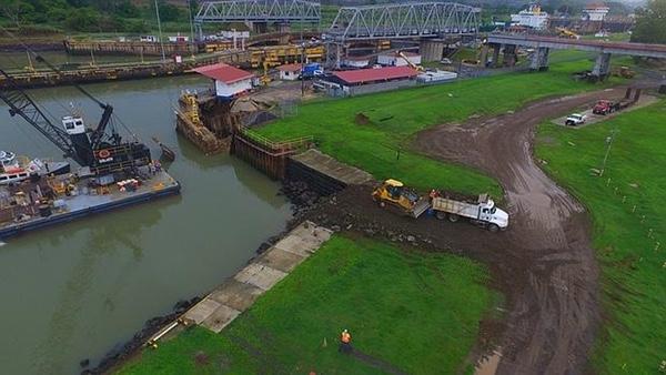 Canal de Panamá busca alternativas en caso de sequía