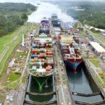 Canal de Panamá es transitado por el buque más grande en su historia