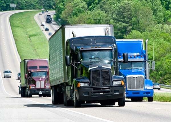 Concamin pide mejores leyes contra robo de camiones y combustibles en México