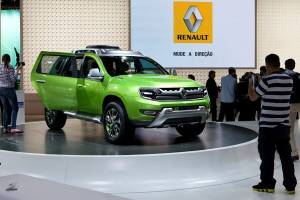 Renault-D-Cross
