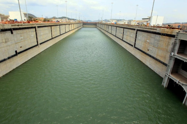 Canal de Panama evalua futura ampliacion