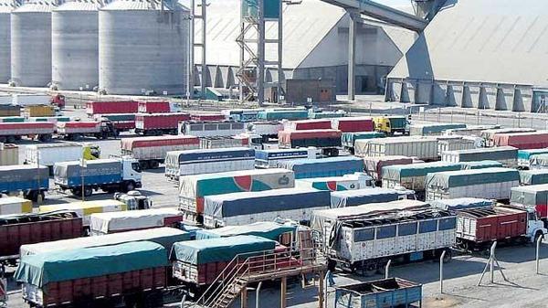Huelga de operadores portuarios en Argentina obliga a paralizar la actividad