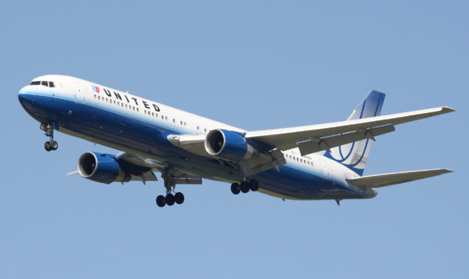 United_Airlines_Boeing_767-322ER