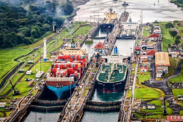Hapag-LLoyd Canal de Panamá
