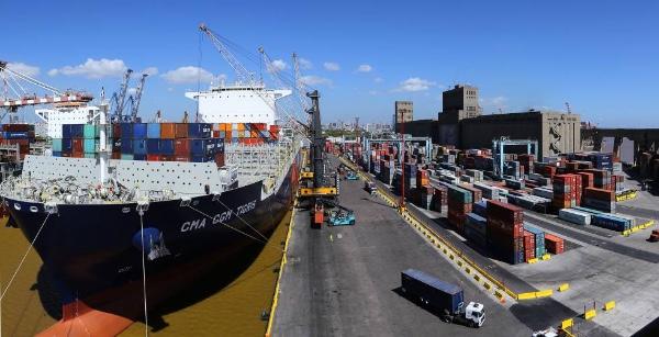 Argentina analiza bajada costes portuarios