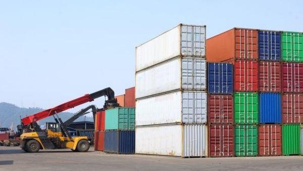 Colombia aumenta importaciones de maquinaria y vehiculos de carga