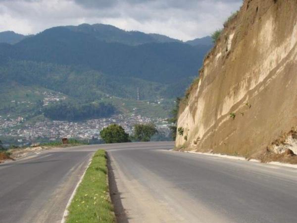 Gobierno de Guatemala asume obras viales